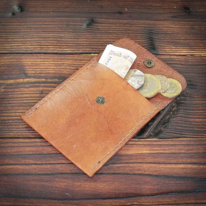Padstow handmade leather coinholder