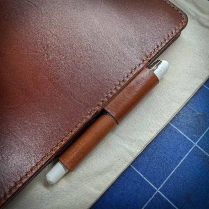 Dundee Journal Cover Pen Lock Side